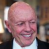 Photo portrait en couleur de Stephen Covey, auteur et conférencier