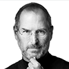 Portrait photo en noir et blanc de Steve Jobs, entrepreneur et fondateur d'Apple à l'âge de 20 ans